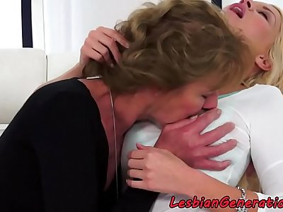 Busty babe fingers matures hairypussy