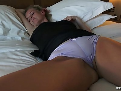 Horny fuck with sleeping Mom